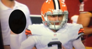 Manziel-middle-finger
