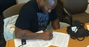 James-Harrison-Signs-Steelers