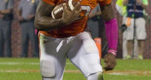 Tajh_Boyd_running_against_Florida_State_(cropped)