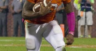 Tajh_Boyd_running_against_Florida_State_(cropped)